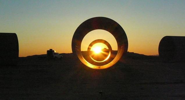 Sun tunnels creator nancy holt helped put utah on 39 art map for What is a sun tunnel